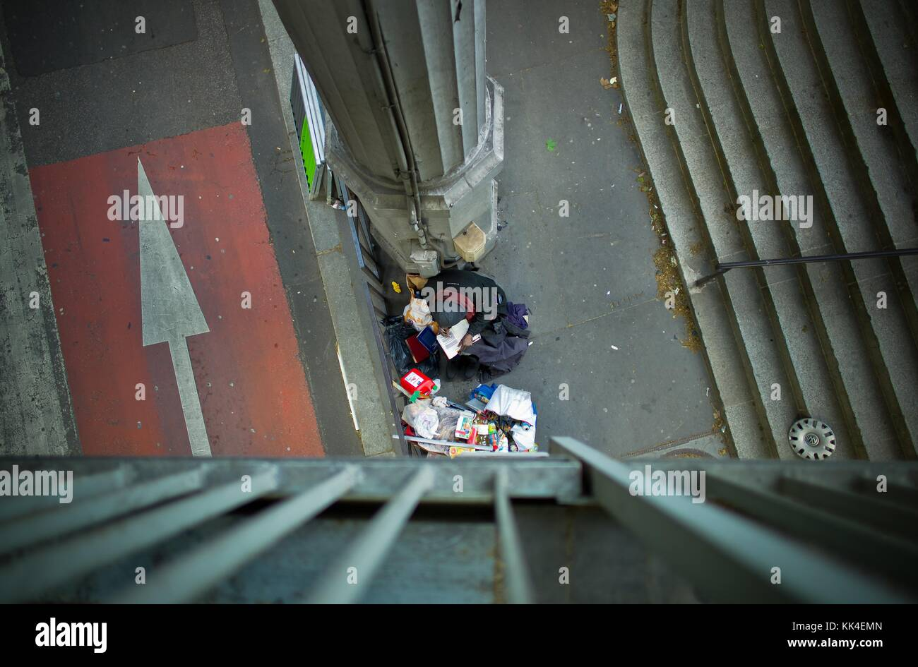 The reader of the bridge of Bir Hakeim -  09/05/2012  -    -  This homeless man I nicknamed the reader, is rooted Stock Photo