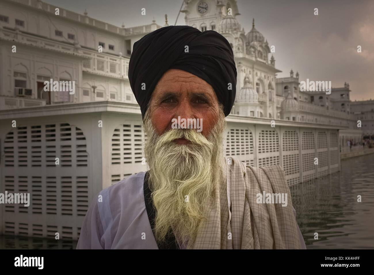 Sikh Golden Temple in Amritsar -  03/09/2010  -    -  The men of the community, an old   -  Sylvain Leser / Le Pictorium Stock Photo