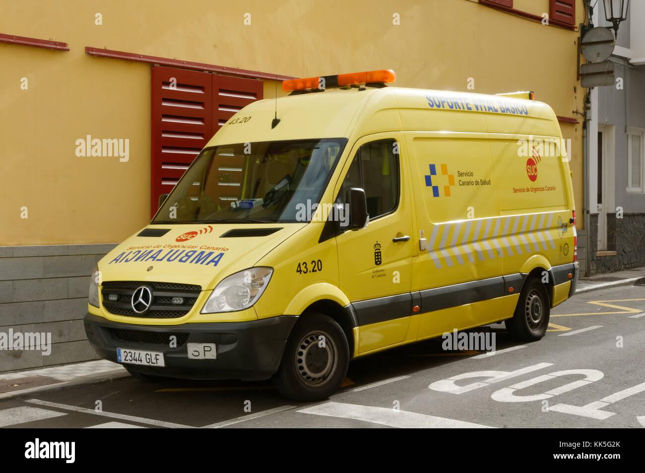 spanish ambulance ambulances healthcare travel insurance holiday holiday accidents illness illnesses van mercedes - Stock Image