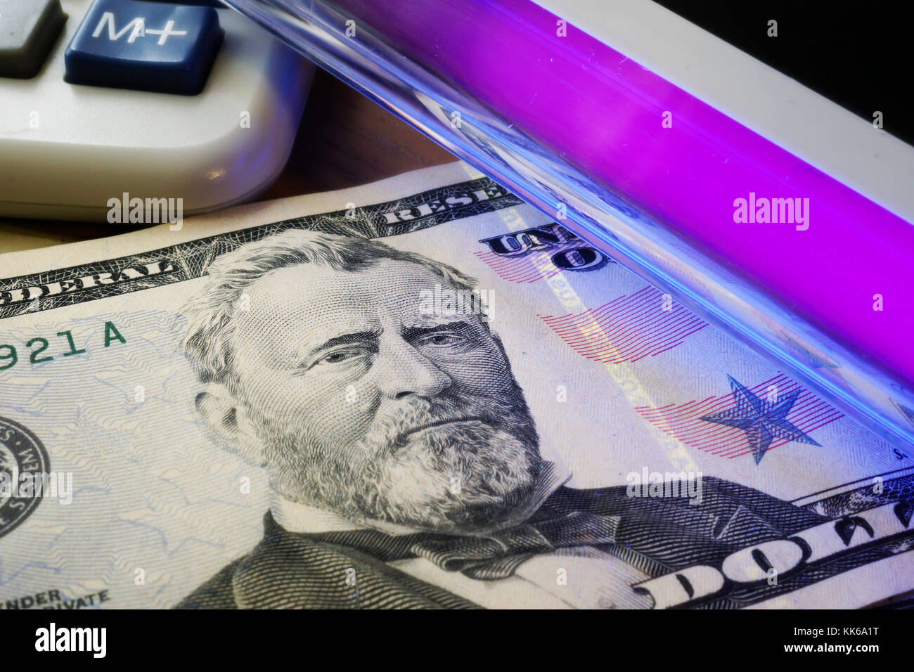 How To Check Fake Money With Uv Light