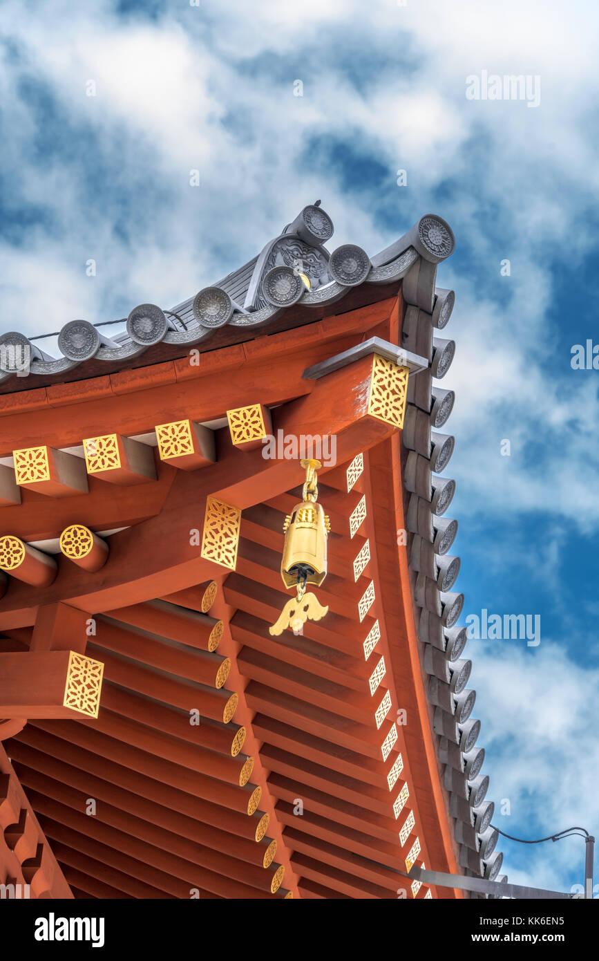 Yakushi-Ji temple, Jikido (Refectory Hall). Onigawara (ogre-face tile), Toribusuma (bird perch tile), Sumigawara - Stock Image