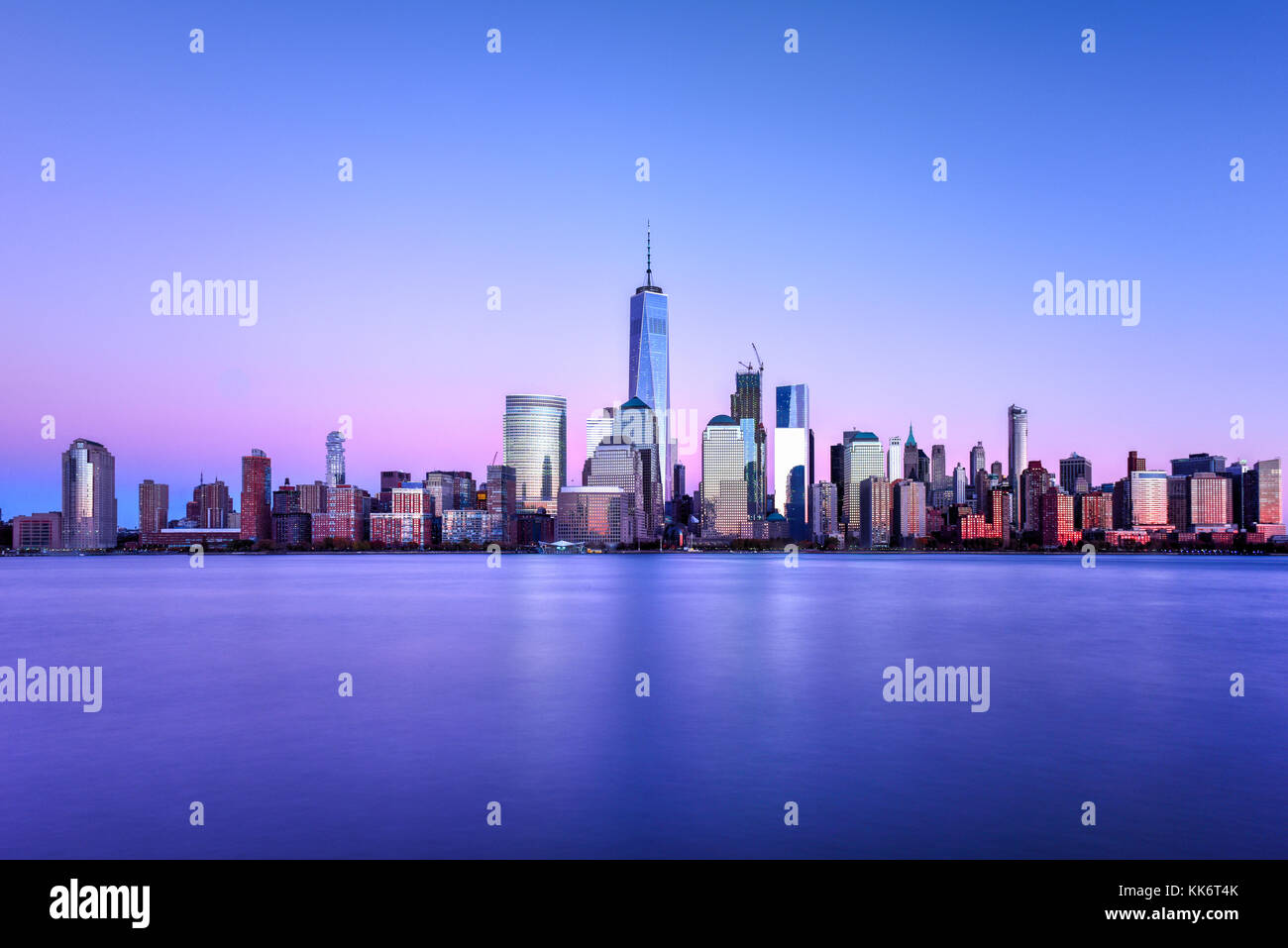 New York skyline as viewed across the Hudson River in New Jersey at sunset. - Stock Image