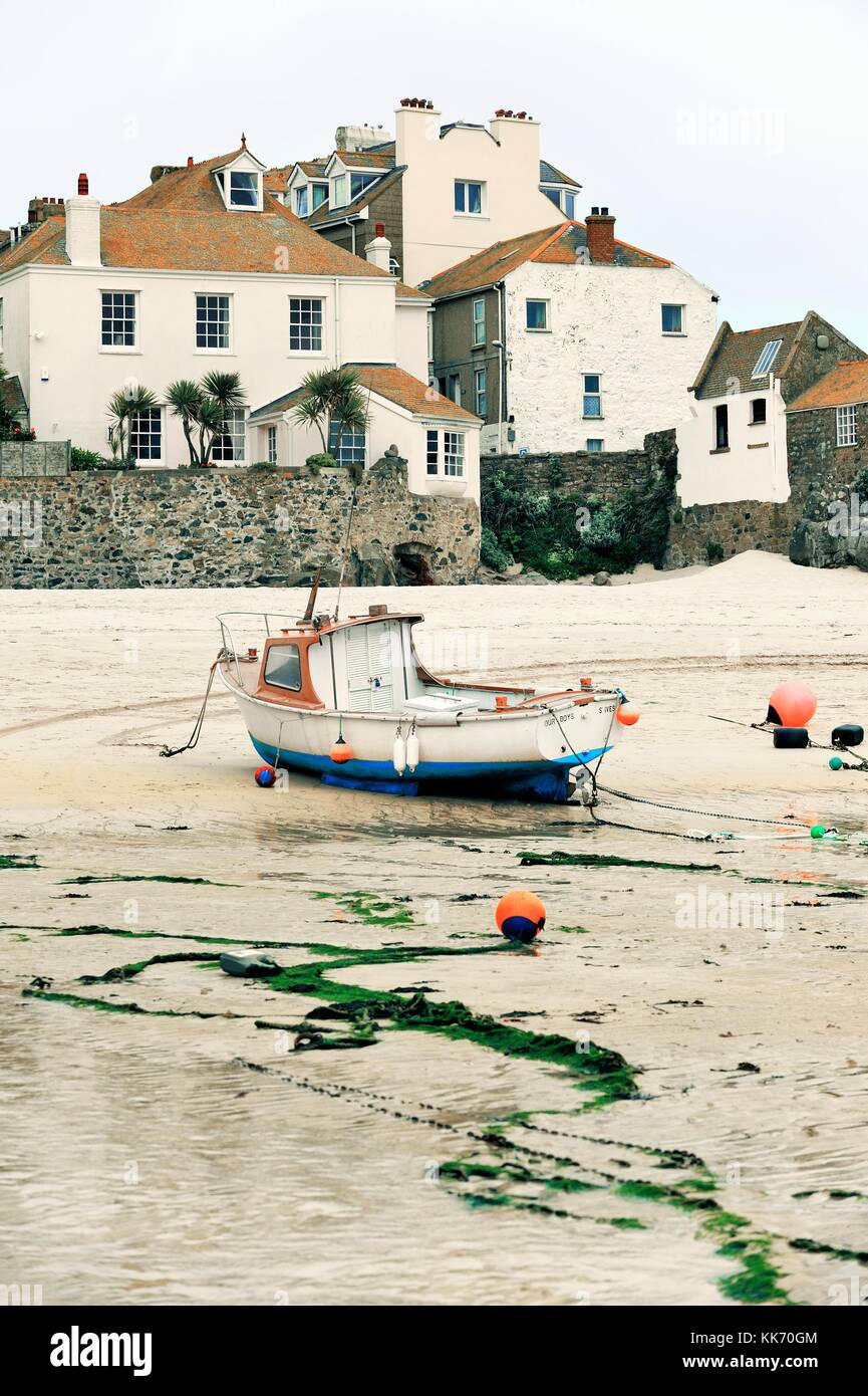 A picturesque corner of the old boat harbour of St. Ives on the north coast of Cornwall, England, UK. Low tide Stock Photo