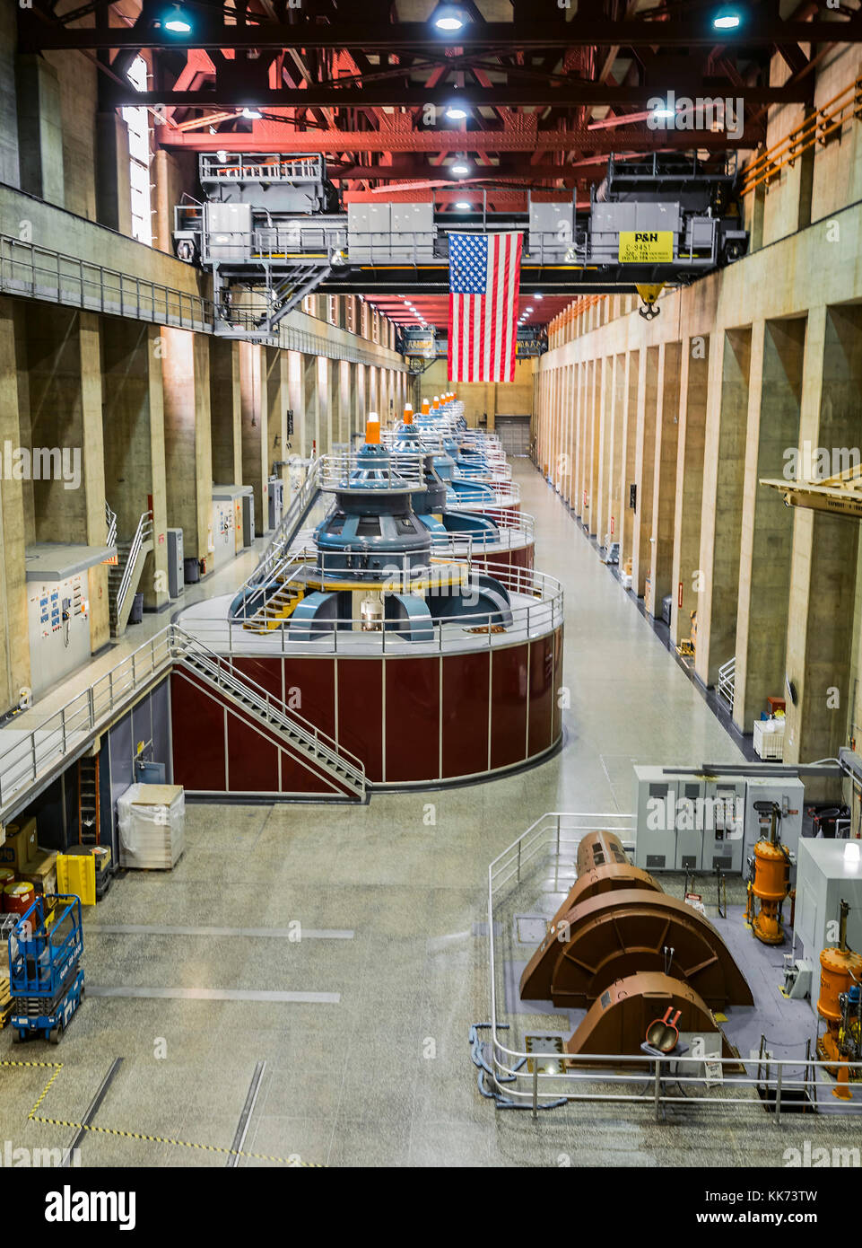 Underground Dam Stock Photos Images Alamy Hoover Power Plant Diagram Turbines With America Flag August 10th 2017