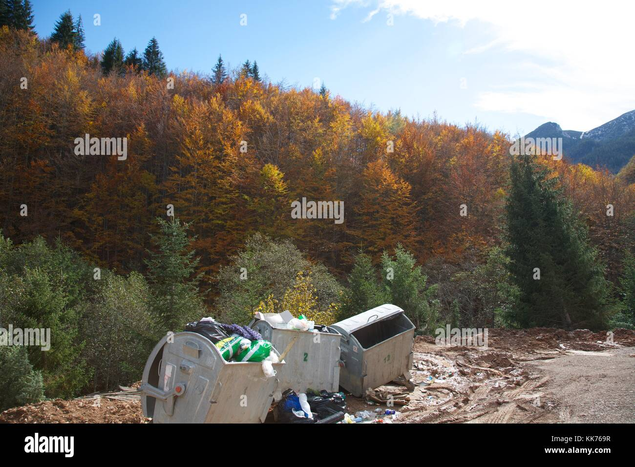 Littering the countryside in Kosovo - Stock Image