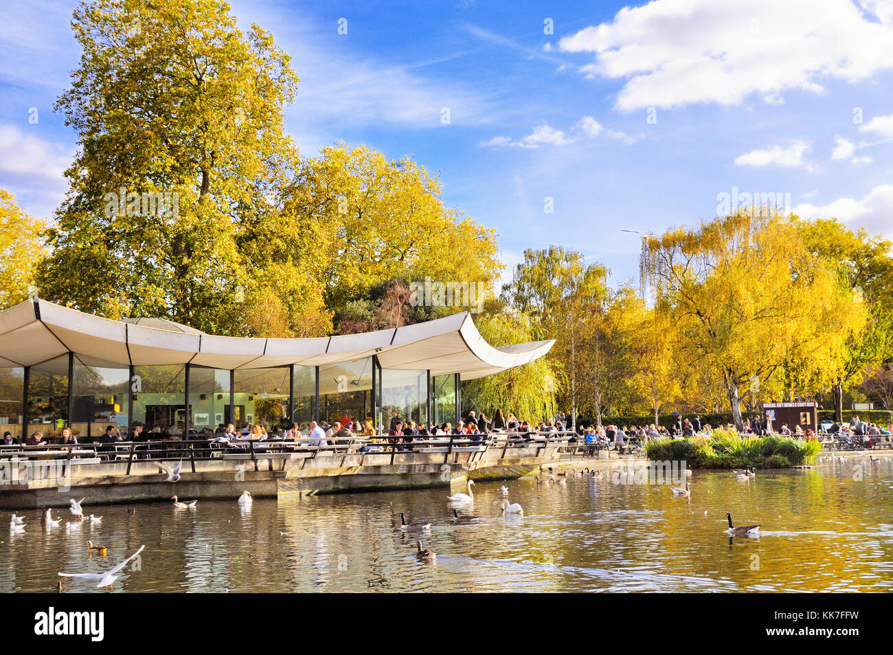 The Serpentine Bar & Kitchen (formerly The Dell), Hyde Park, London, England, UK - Stock Image
