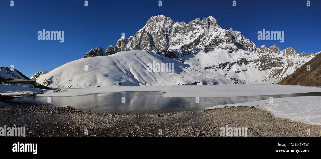 Landscape in the Sagarmatha National Park, Nepal. Gokyo. - Stock Image