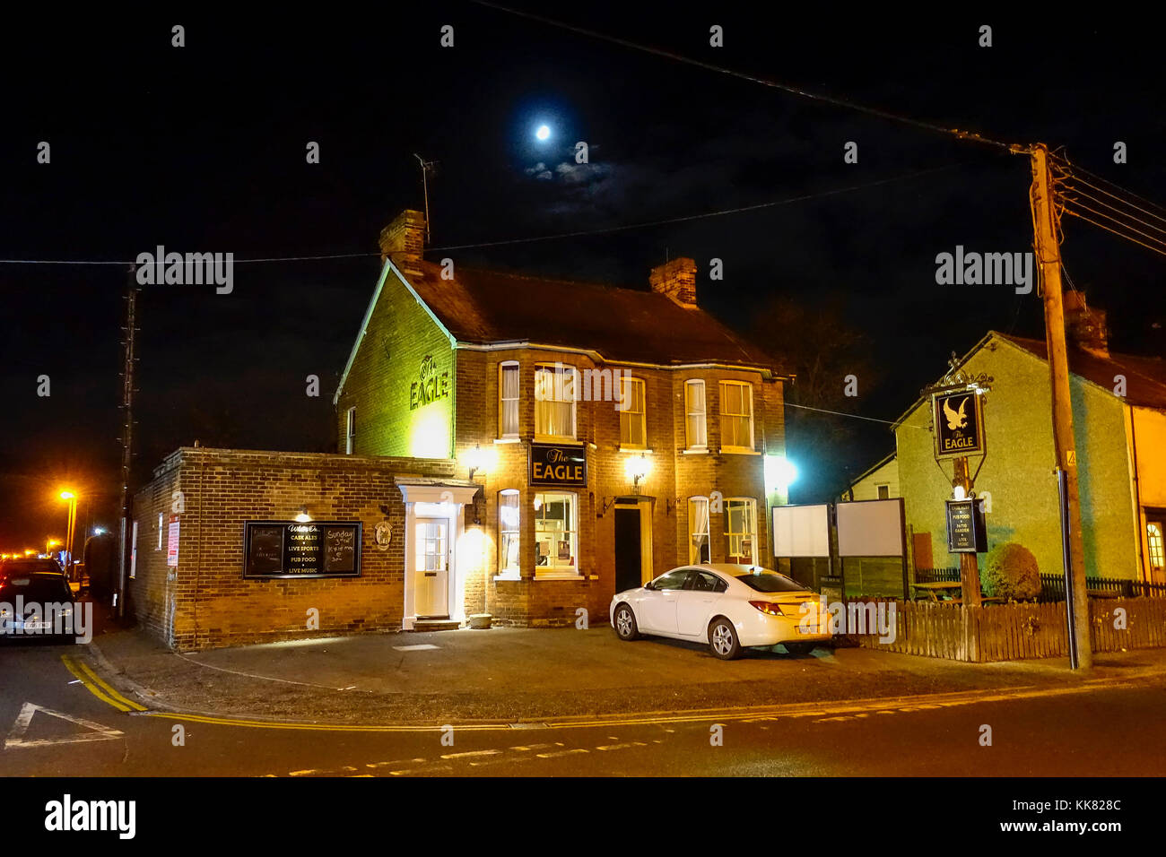 The Eagle Public House at night, Coggeshall Road, Braintree, Essex Stock Photo