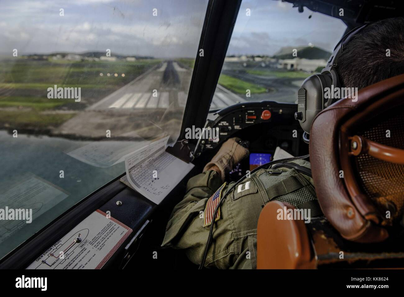 LT Christopher Malherek, assigned to the Golden Eagles of Patrol Squadron (VP) 9, prepares to land a P-3C Orion - Stock Image