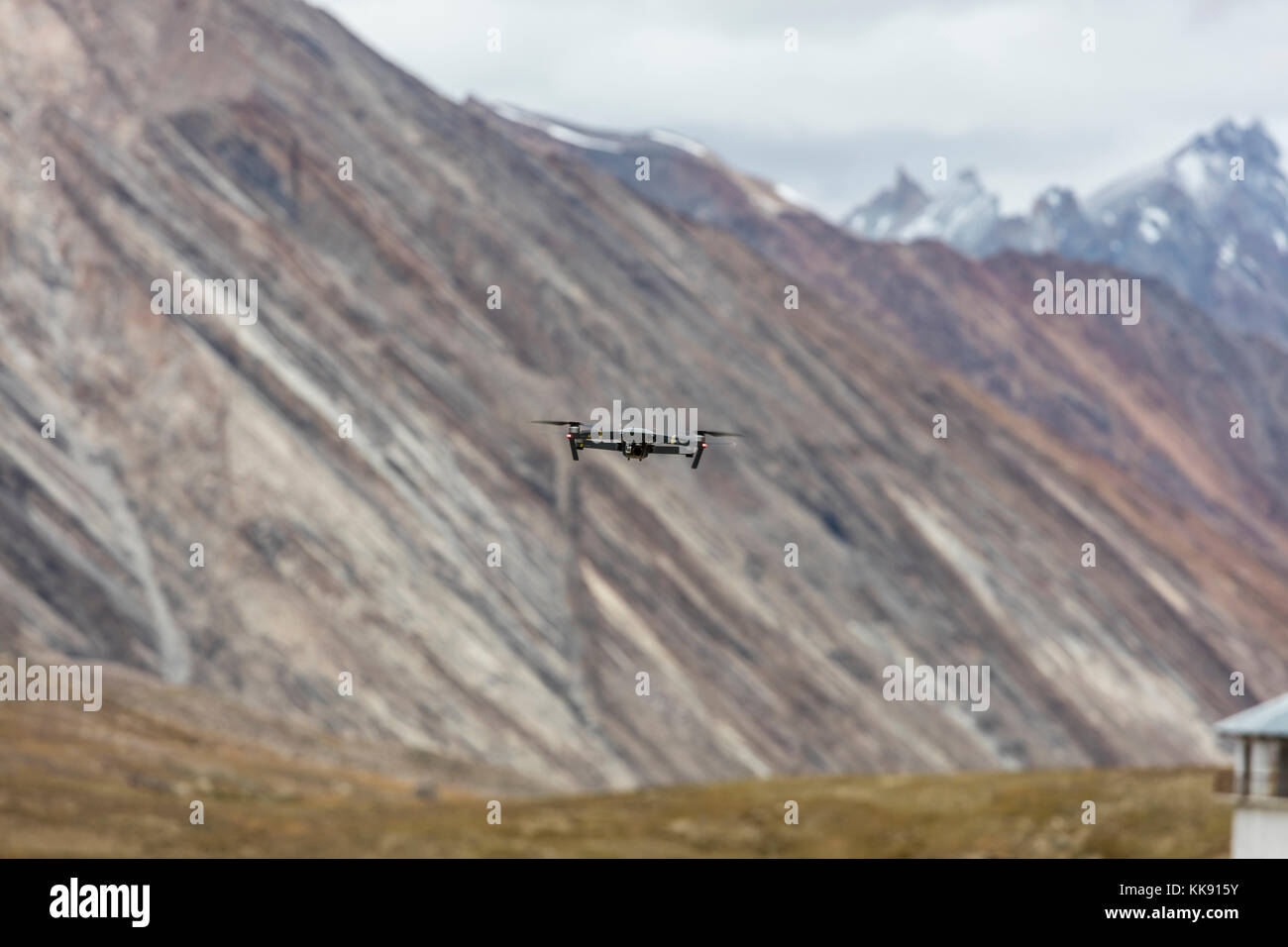 A drone at the PENZILA PASS at 4400 meters which is crossed to reach the Stod River Valley - ZANSKAR, LADAKH, INDIA - Stock Image