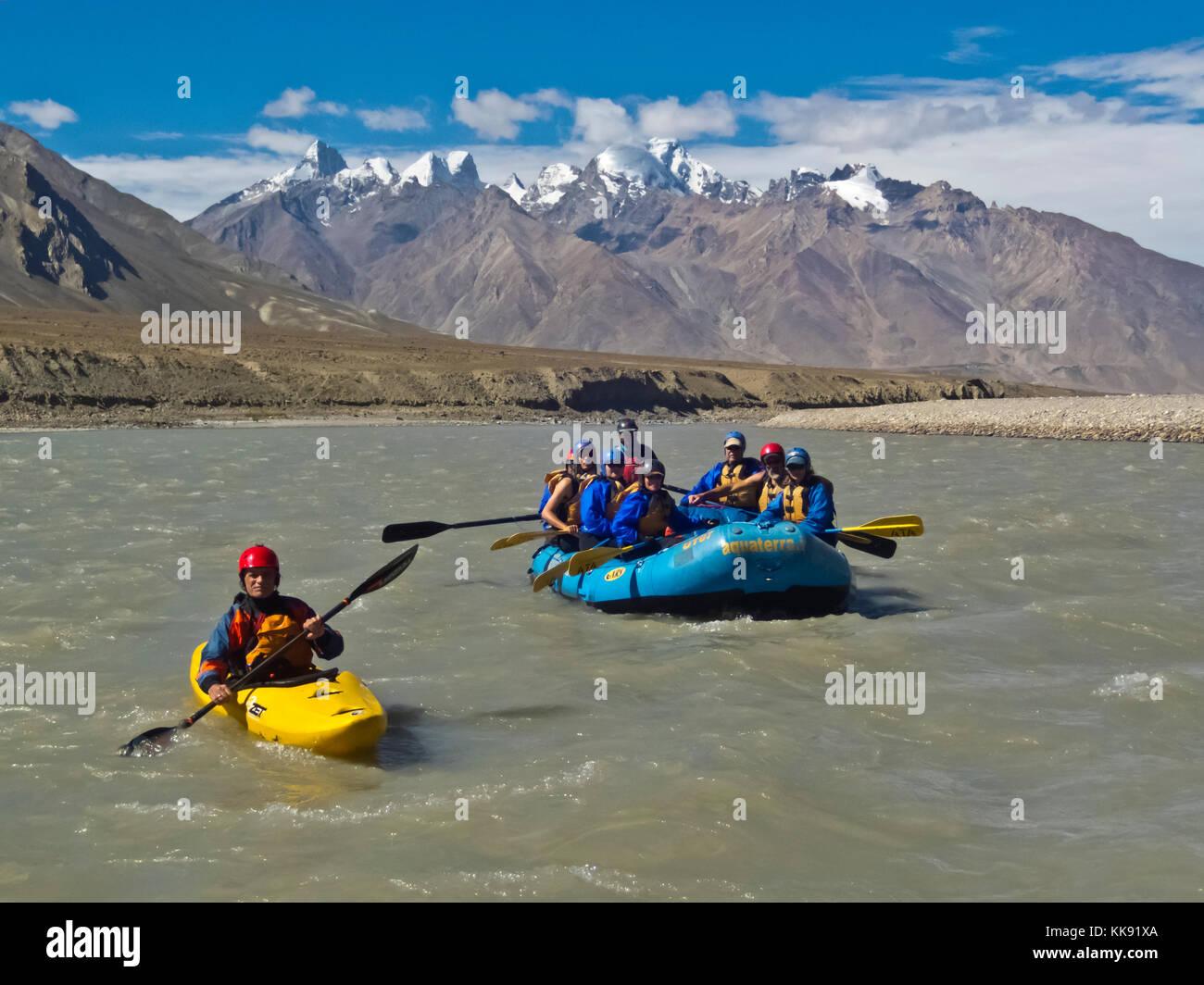 River rafting through the remote STOD RIVER VALLEY - ZANSKAR, LADAKH, INDIA - Stock Image