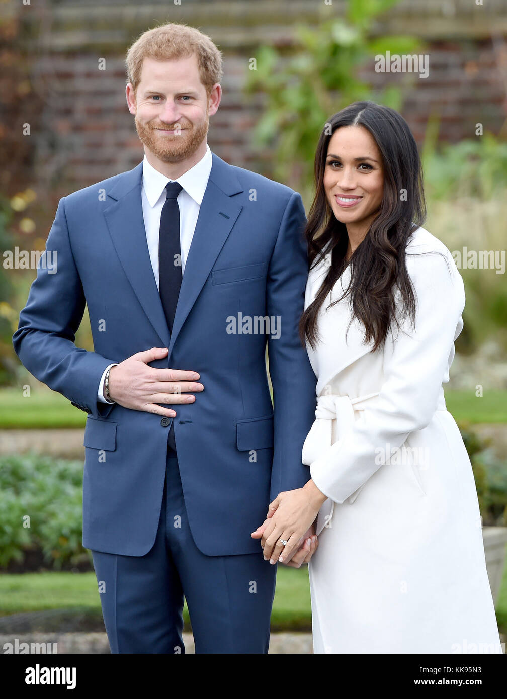 Photo Must Be Credited ©Alpha Press 079965 27/11/2017 Prince Harry and Meghan Markle Engagement Photocall in the Sunken Garden at Kensington Palace in London. Stock Photo