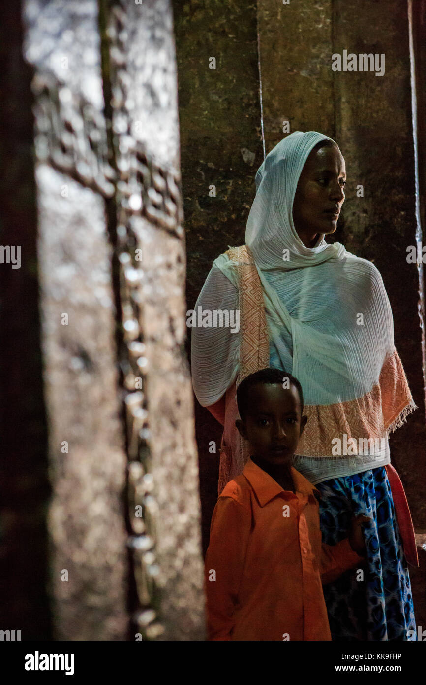 Woman and child at the church in Lalibela, Ethiopia. - Stock Image