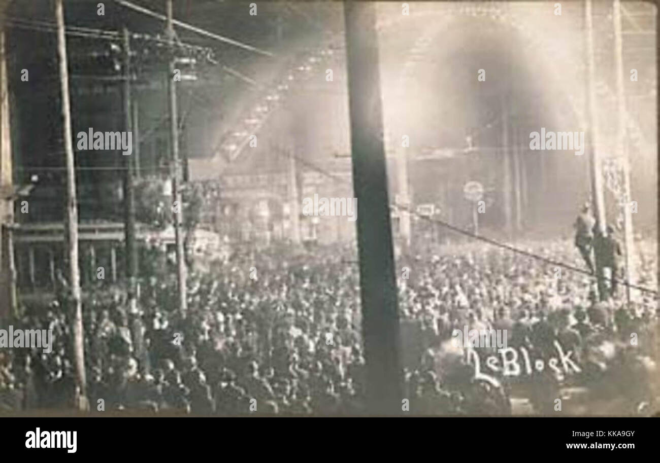 The mob-style lynching of Will James, Cairo, Illinois, 1909. - Stock Image