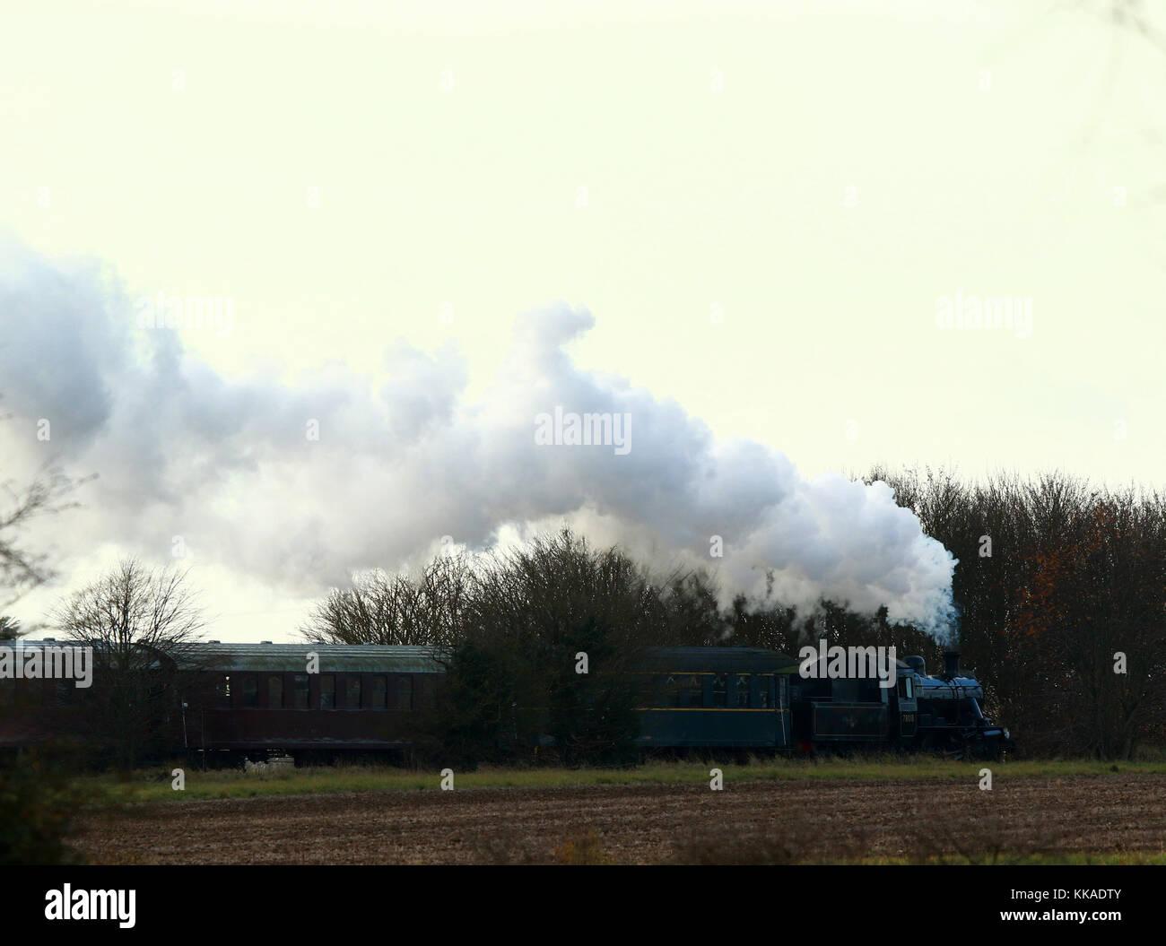 Peterborough, UK. 29th Nov, 2017. The Santa Special steam locomotive train 78018 has begun it's Christmas service Stock Photo