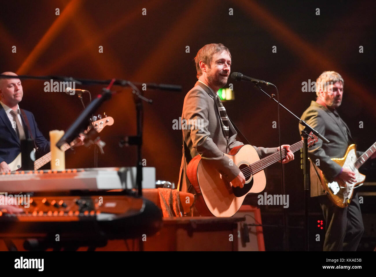 London, UK. 29th Nov, 2017. Neil Hannon of The Divine Comedy performing live on stage at the Hammersmith Apollo - Stock Image