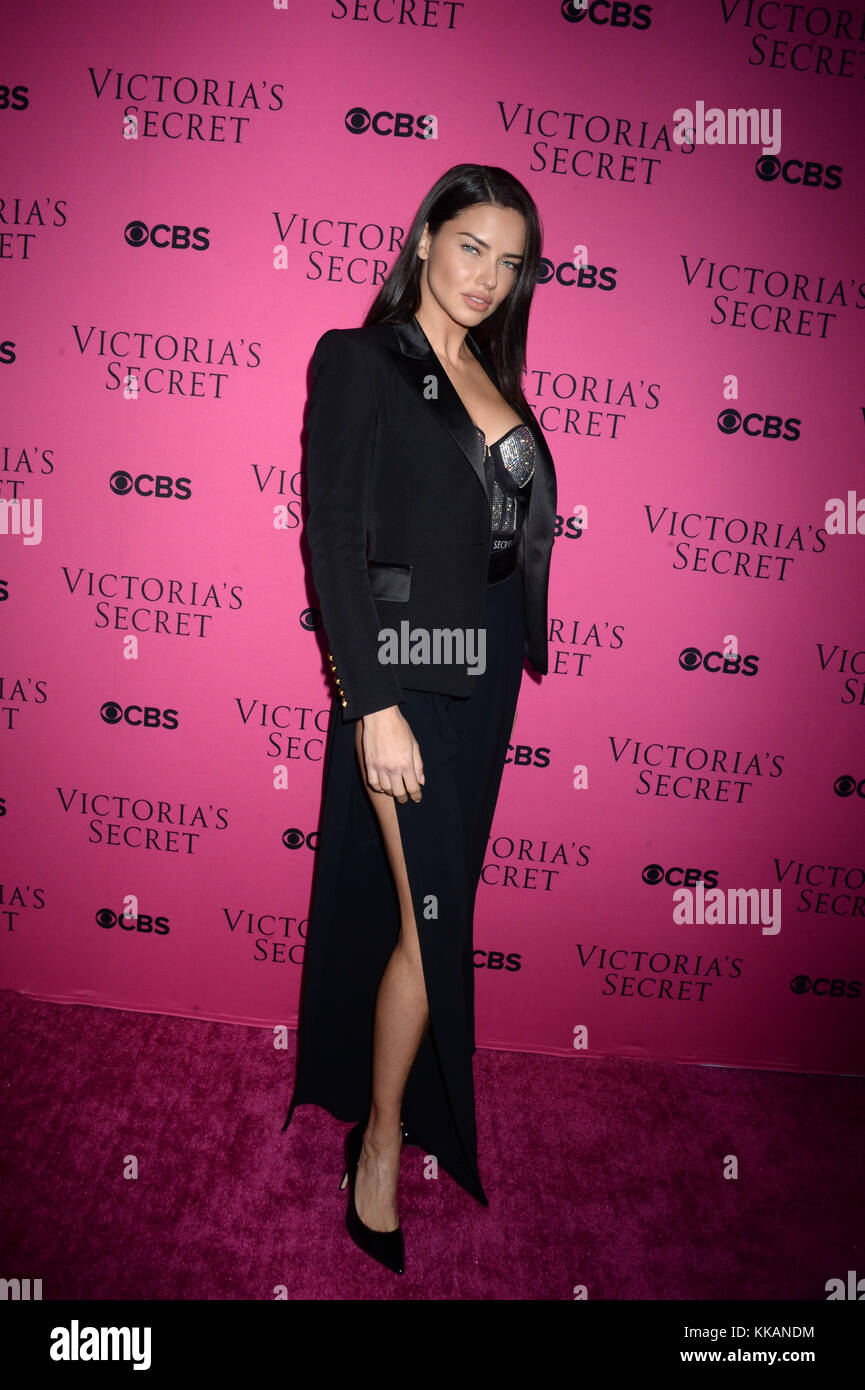 Victorias Secret Fashion Show 2017 Stock Photos ...