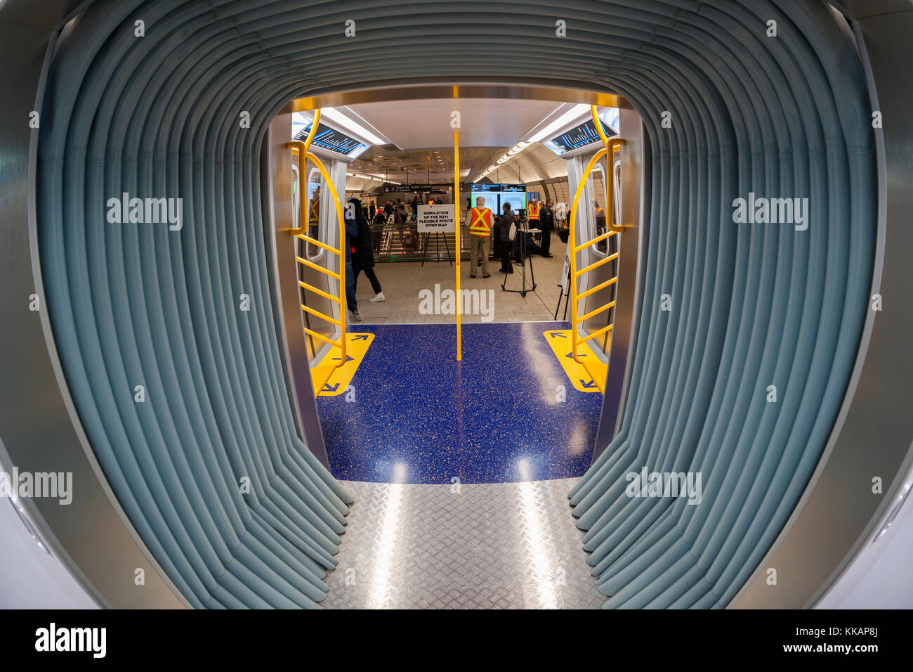 New York City, USA. 30th November, 2017. Commuters, media and subway aficionados inspect the mock-ups of the R211 Stock Photo