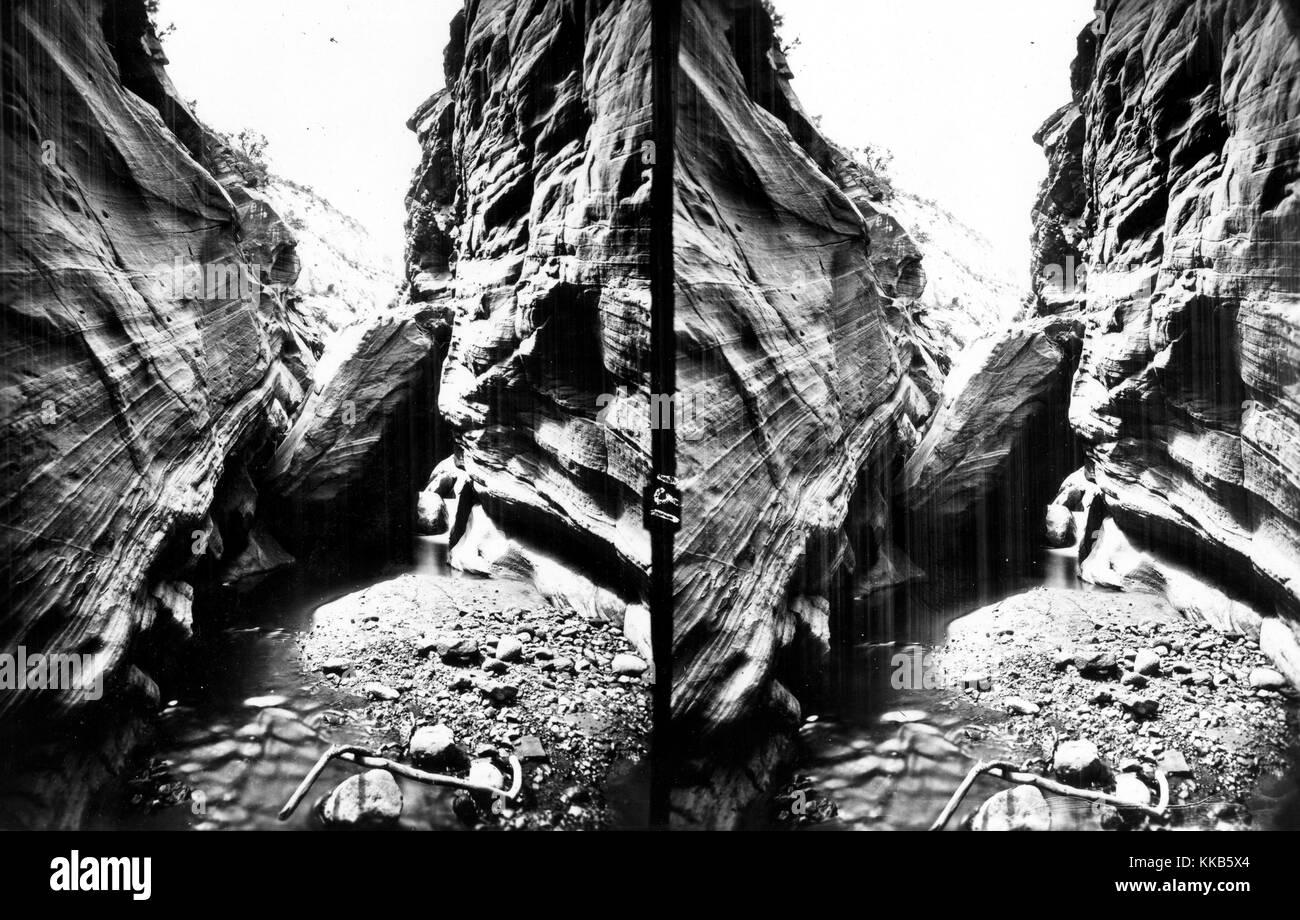 An Obstruction, a boulder lodged between canyon walls, Tantalus Creek, Utah. Image courtesy USGS. 2015. - Stock Image