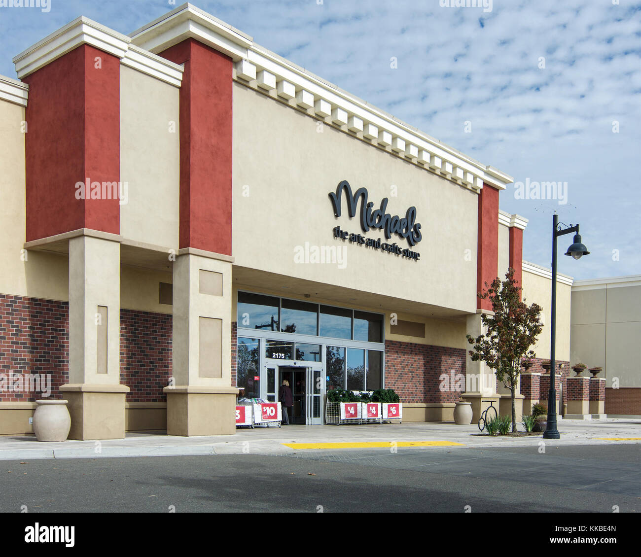 Michaels arts and crafts store at Woodland Gateway Shopping Center, California, USA, on a sunny day with some clouds - Stock Image