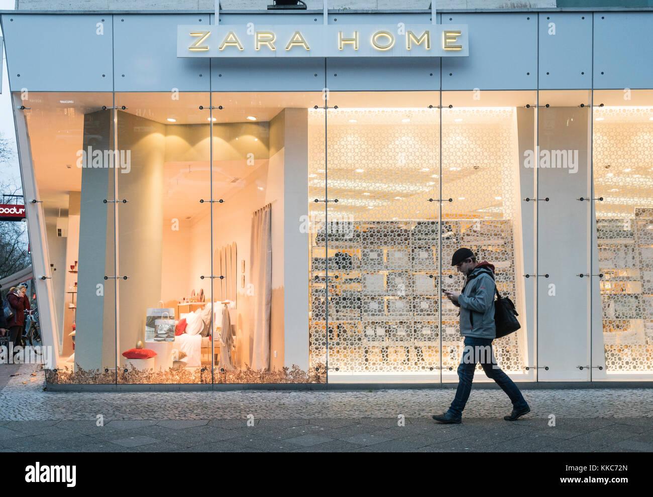 Zara Shopping Stock Photos & Zara Shopping Stock Images
