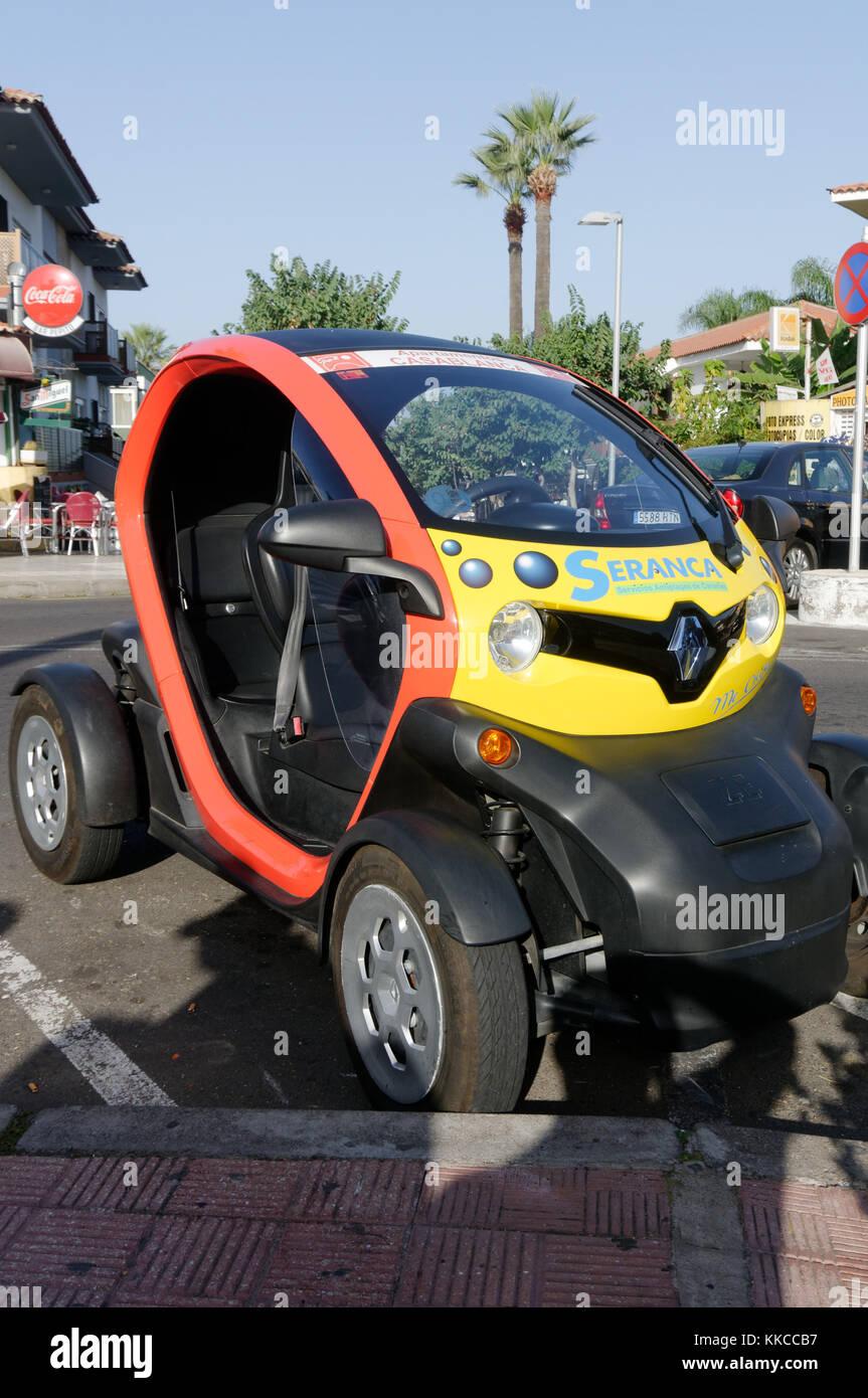 renault twizy electric car cars quadricycle city zero emission emissions Stock Photo