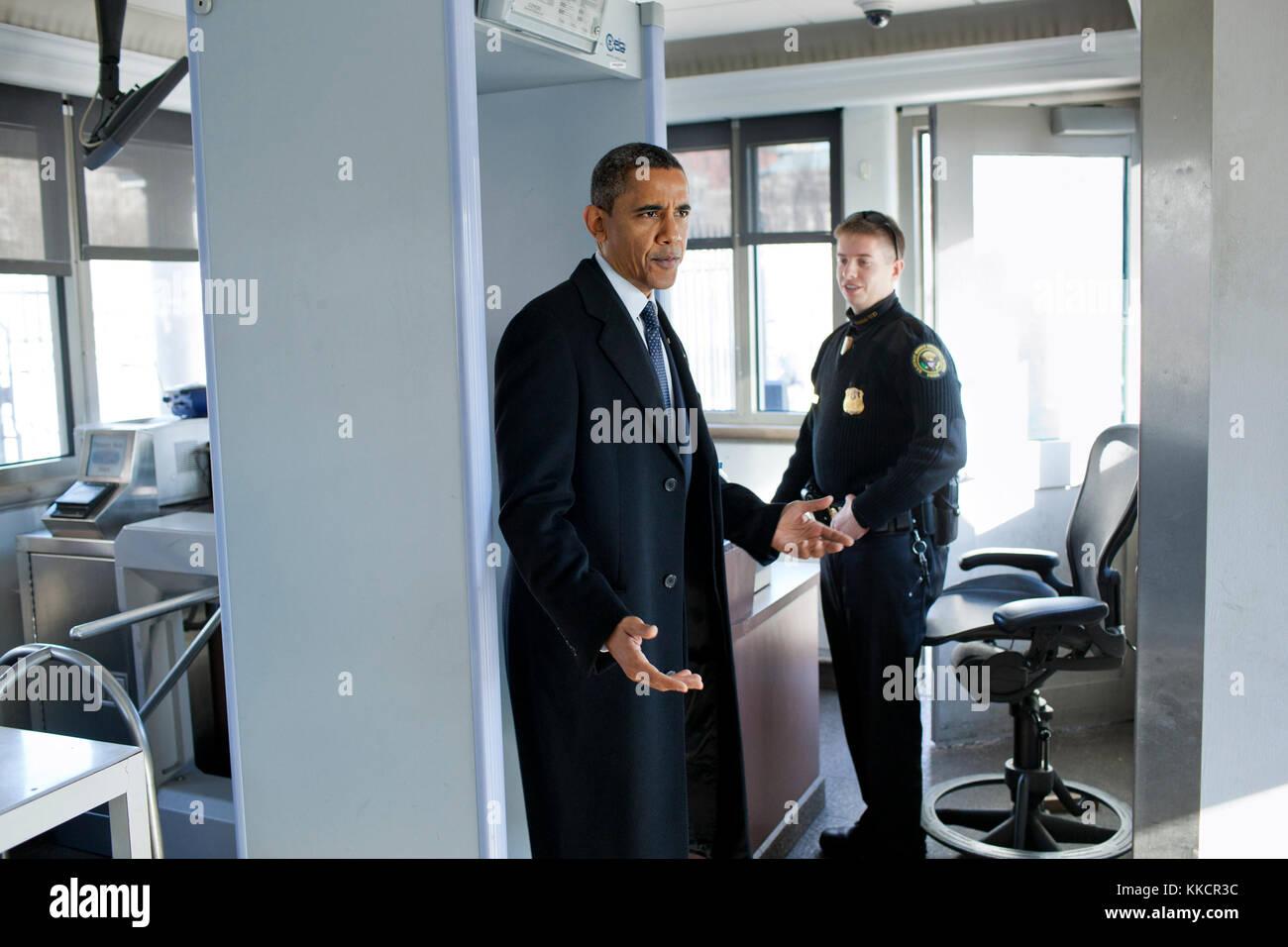 Secret Service White House Stock Photos & Secret Service White House ...
