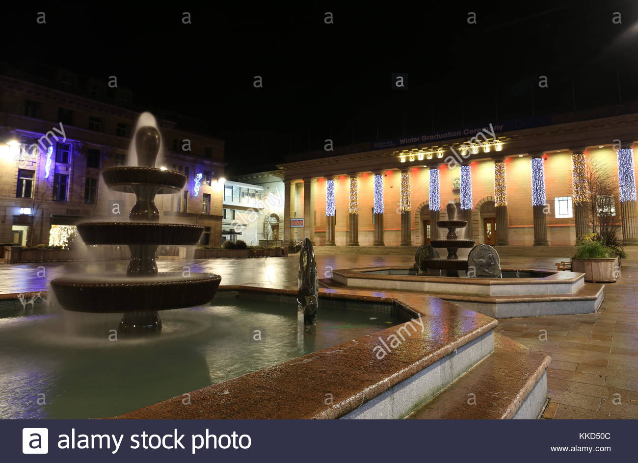 Caird Hall with Christmas decorations Dundee Scotland  25th November 2017 - Stock Image