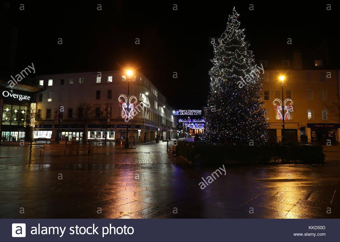 Christmas tree and Reform Street Christmas lights Dundee Scotland  25th November 2017 - Stock Image