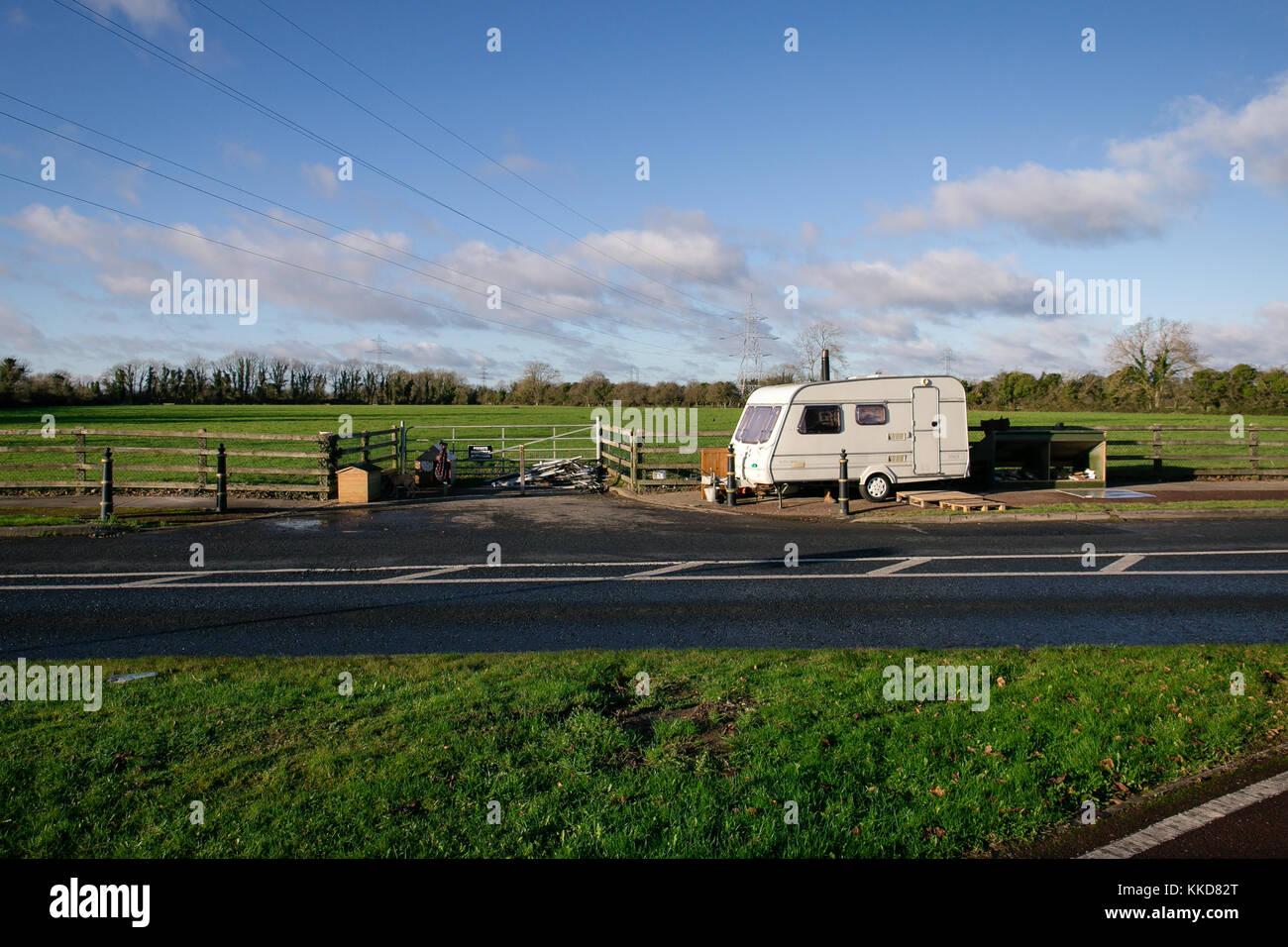Celbridge, Ireland. 29 Nov, 2017: Irish Travellers settling in in Celbridge. Caravan parked on the side of the road Stock Photo