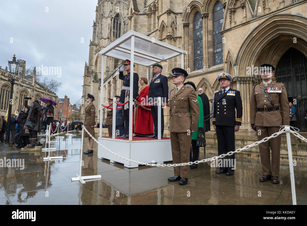 Podium, dignitaries, officers & soldiers outside York Minster to commemorate 50th anniversary of British withdrawal - Stock Image