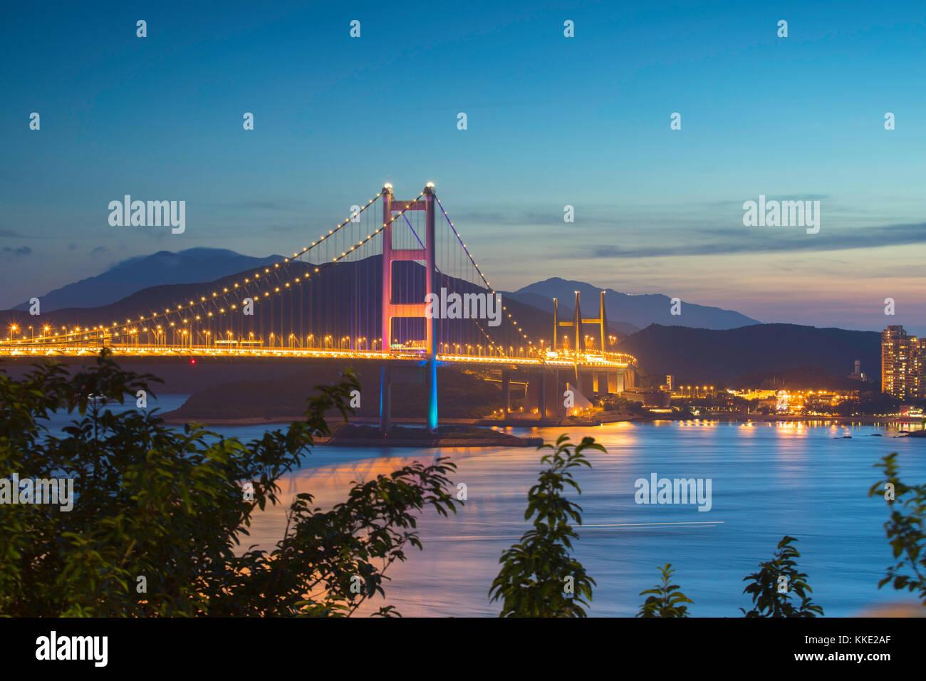 Tsing Ma Bridge at dusk, Tsing Yi, Hong Kong, China - Stock Image