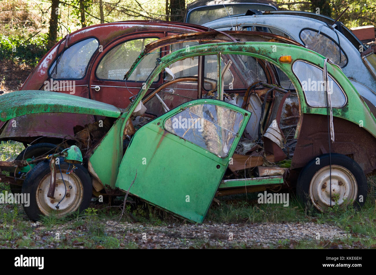 Wrecked Classic 2cv Stock Photos & Wrecked Classic 2cv Stock Images ...