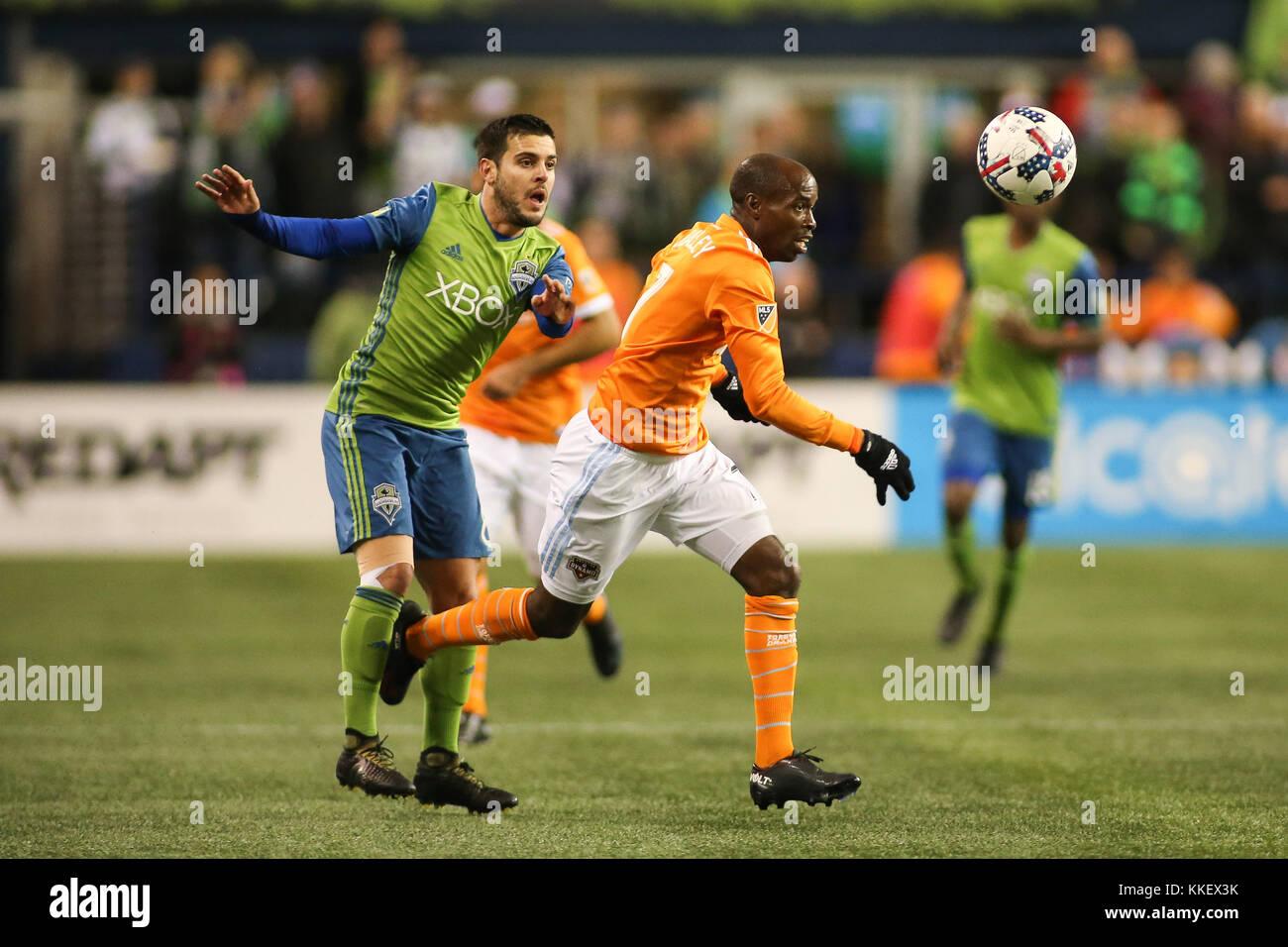 Seattle, WA, USA. 30th Nov, 2017. Houston Dynamo defender DaMarcus Beasley (7) and Seattle Sounders Victor Rodrguez - Stock Image