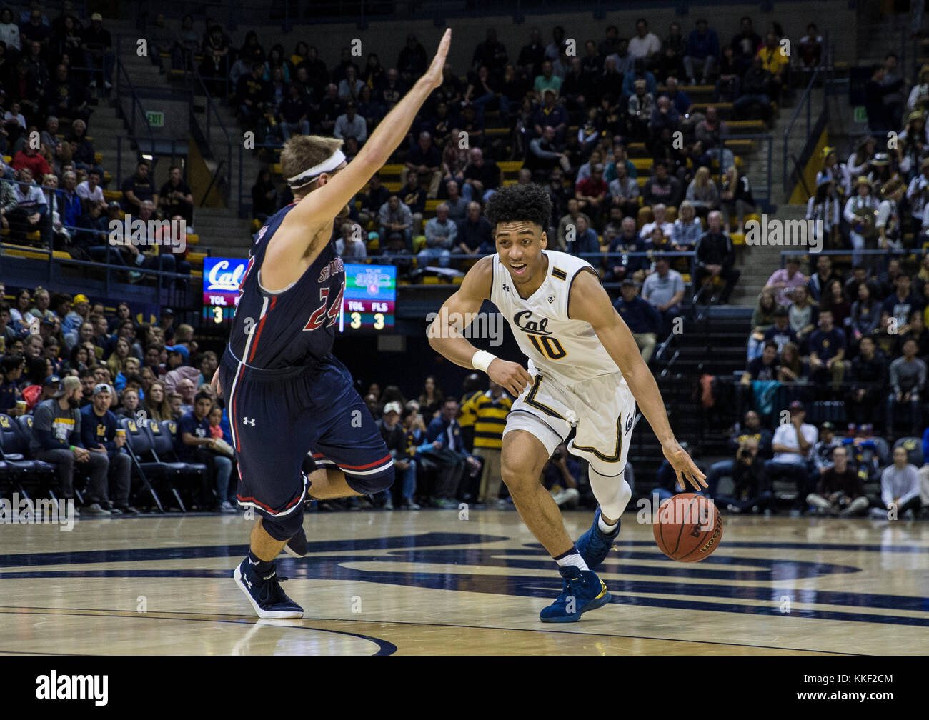 Dec 02 11 2017 Berkeley, CA, U.S.A. California forward Justice Sueing (10) scored 7 points and 2 assist brings the - Stock Image