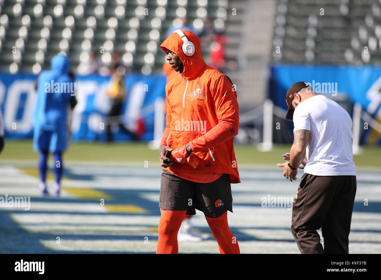 Carson, CA. 03rd Dec, 2017. Cleveland Browns receiver Josh Gordon Pre-game before the NFL Cleveland Browns vs Los Stock Photo