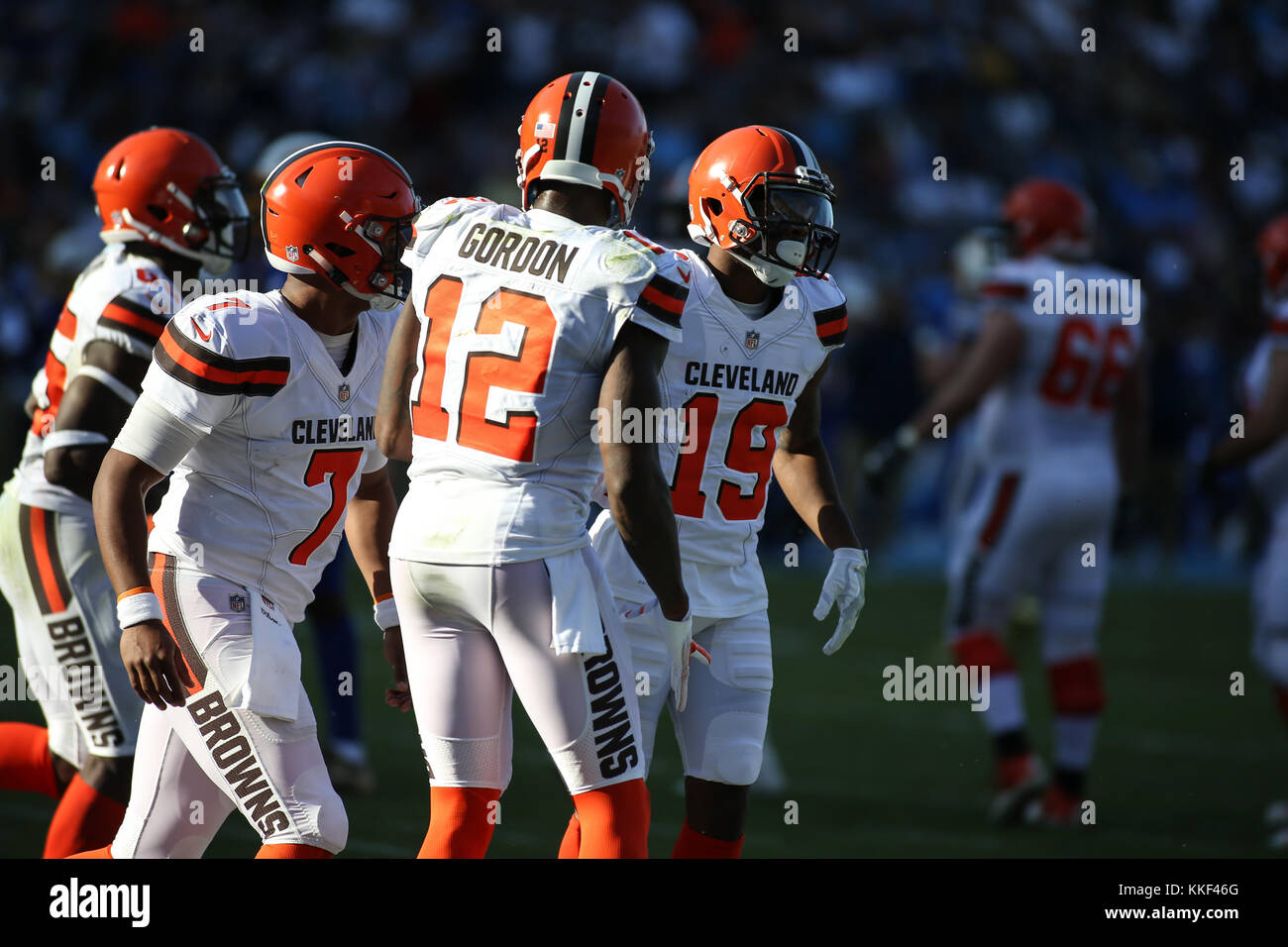 Carson, CA. 03rd Dec, 2017. Cleveland Browns quarterback DeShone Kizer (7) celebrate with wide receiver Josh Gordon Stock Photo