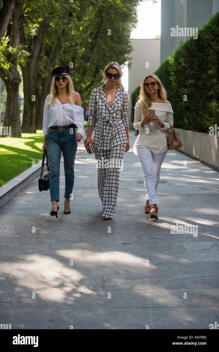 Milan, Italy - September 21, 2017: Fashion people during Milan Fashion Week. Stock Photo