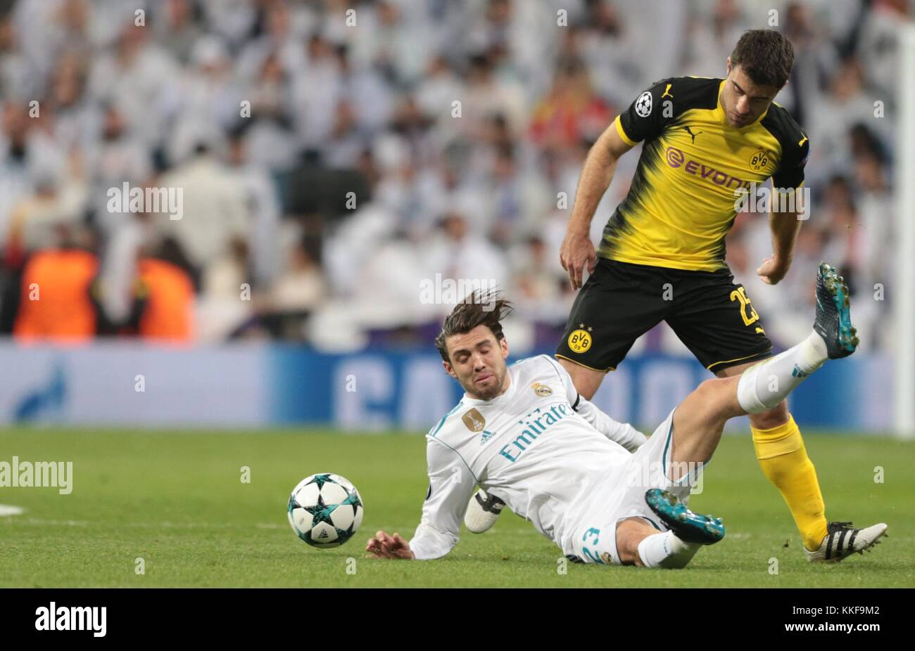 Madrid. 6th Dec, 2017. Mateo Kovacic(down) of Real Madrid competes during the UEFA Champions League group H football - Stock Image