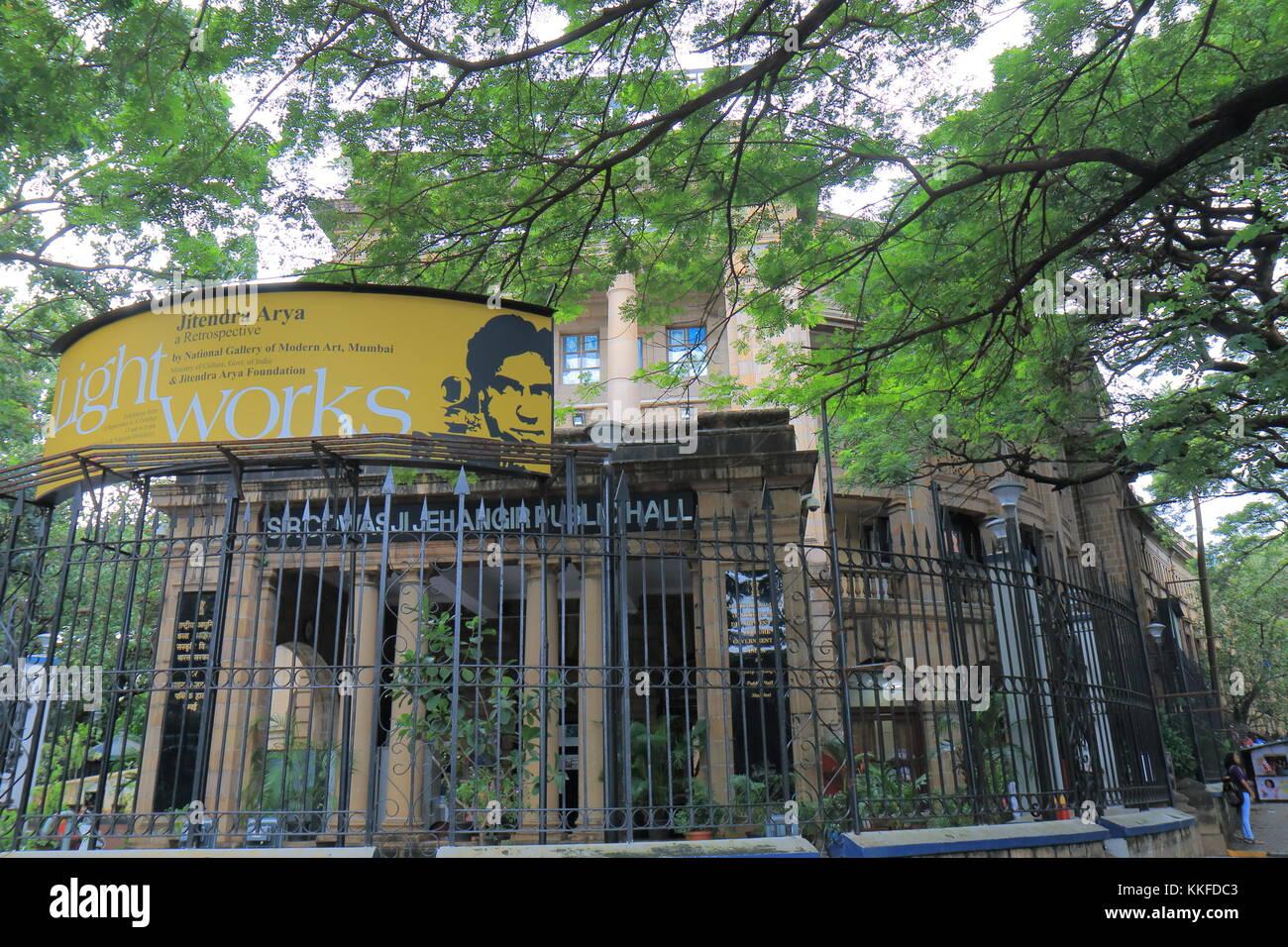 nearest metro station near national gallery of modern art