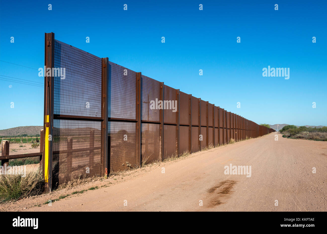Fence at Mexican border, Sonoran Desert, Organ Pipe Cactus National Monument, Arizona, USA Stock Photo