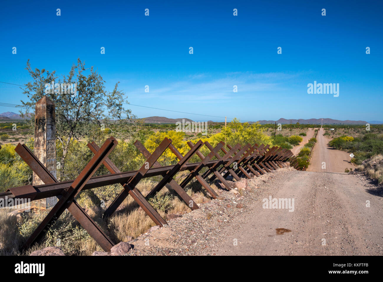 Barrier at Mexican border, Sonoran Desert, Organ Pipe Cactus National Monument, Arizona, USA - Stock Image