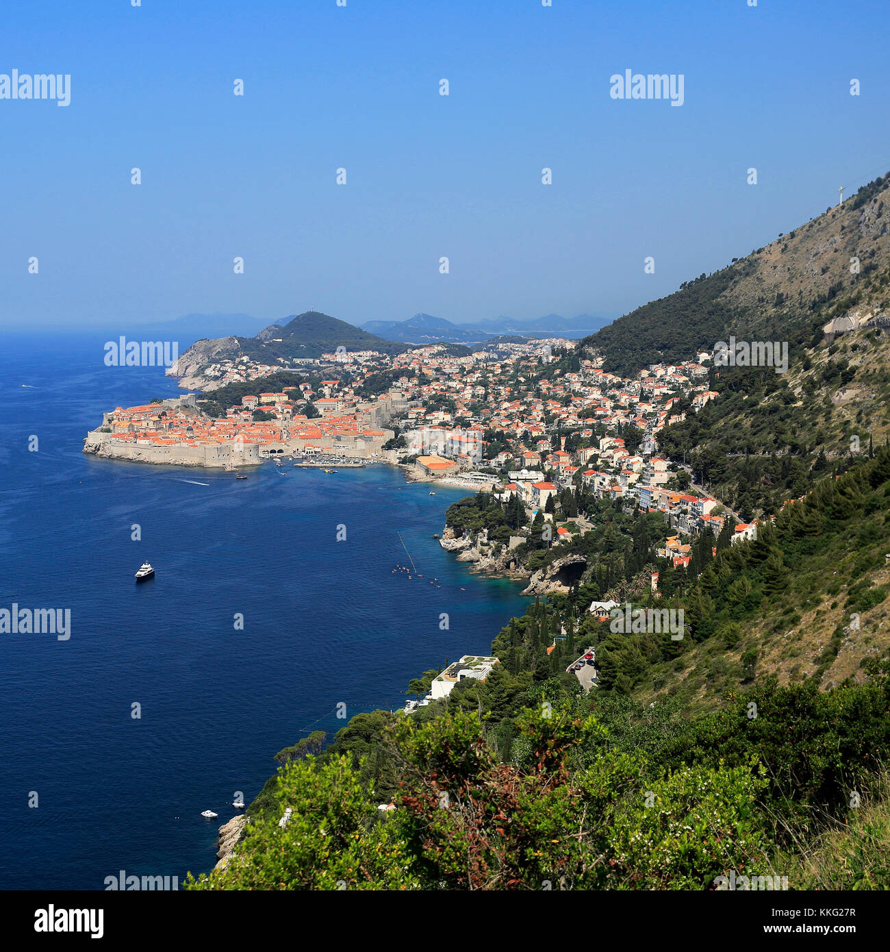 The Adreatic Sea and City of Dubrovnik, Dalmatian coast, Croatia, Balkans, Europe, UNESCO World Heritage Site. - Stock Image