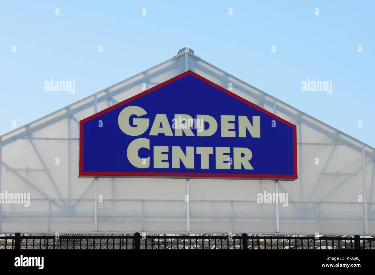 Garden Center Sign On The Canopy At Loweu0027s Home Center Garden Building.    Stock Image