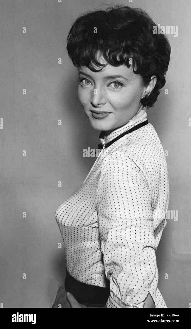 Carolyn Jones Carolyn Jones new foto