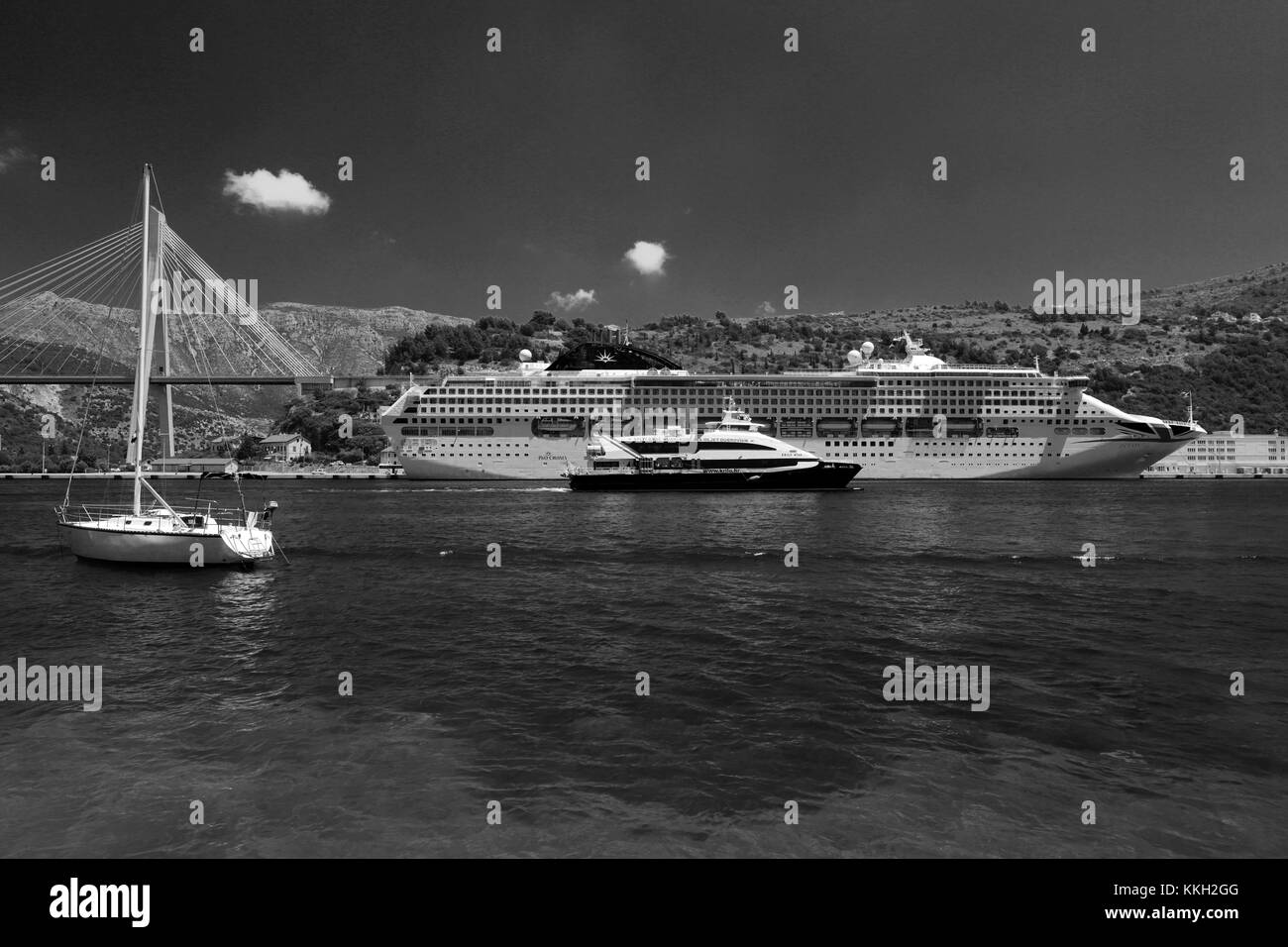 The P and O cruise ship Oceana, in the Port of Gruz, Lapad town, Dubrovnik, Dalmatian coast, Adriatic Sea, Croatia, - Stock Image