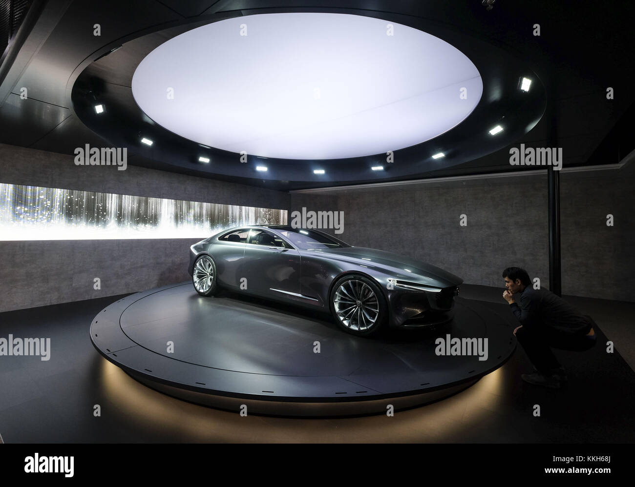 https://c8.alamy.com/comp/KKH68J/los-angeles-california-usa-30th-nov-2017-the-mazda-vision-coupe-concept-KKH68J.jpg