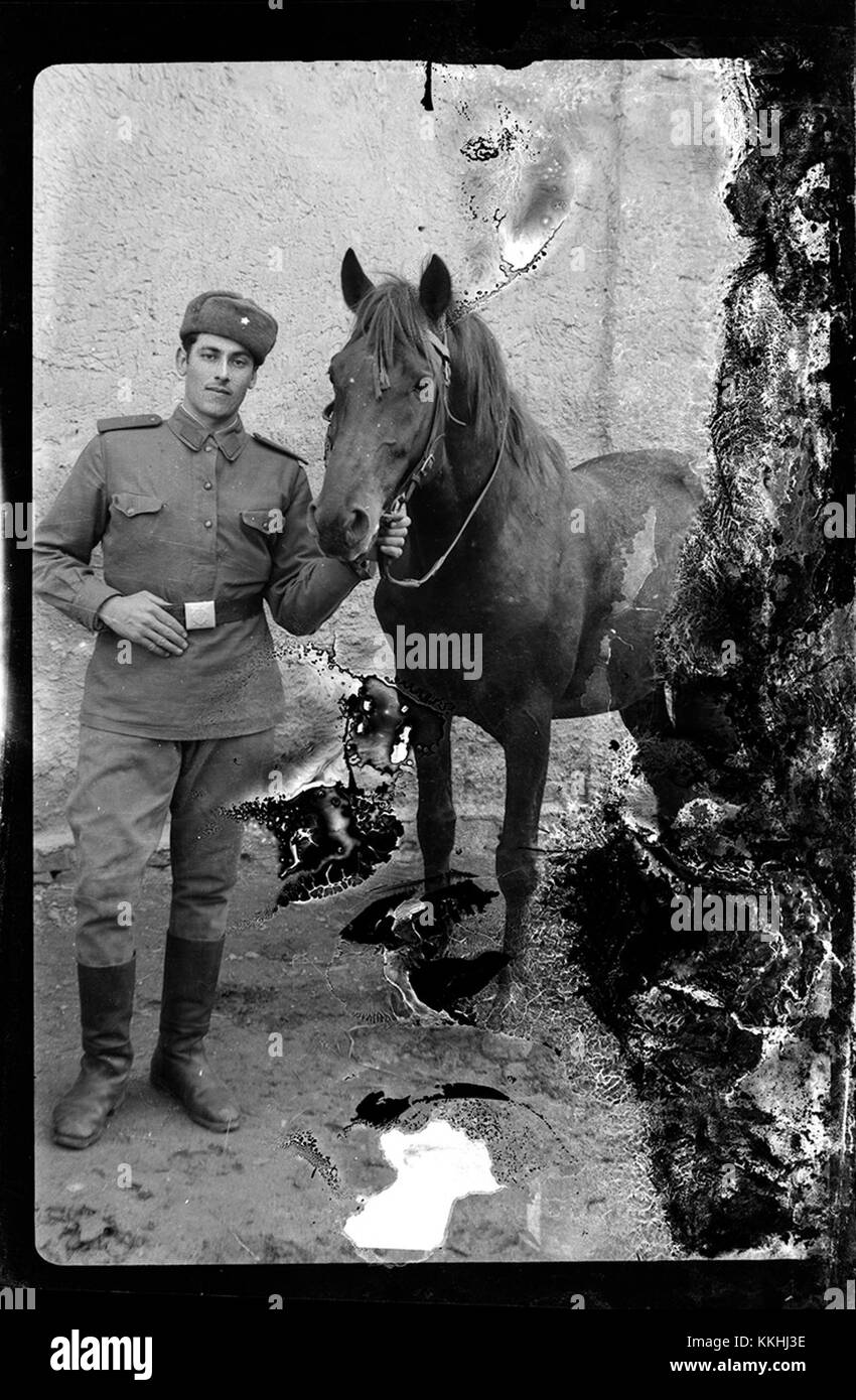 Militar cu cal, planfilm Ca 20140309 (13034964083) - Stock Image