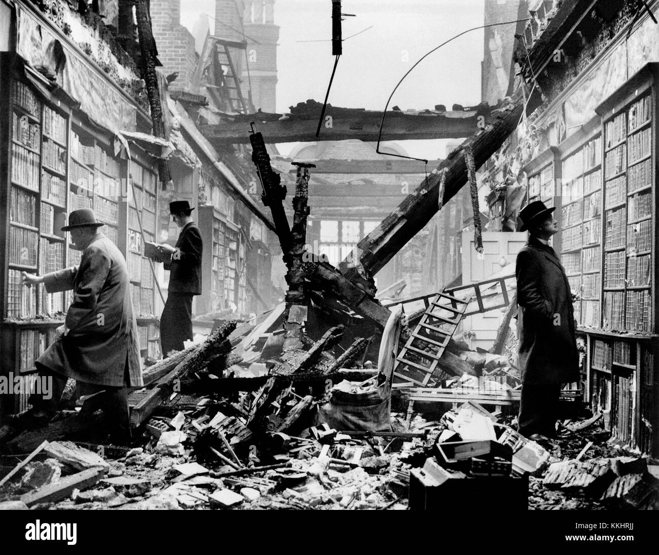 HOLLAND HOUSE, Kensington, London. An interior view of the bombed library at Holland House with readers apparently Stock Photo