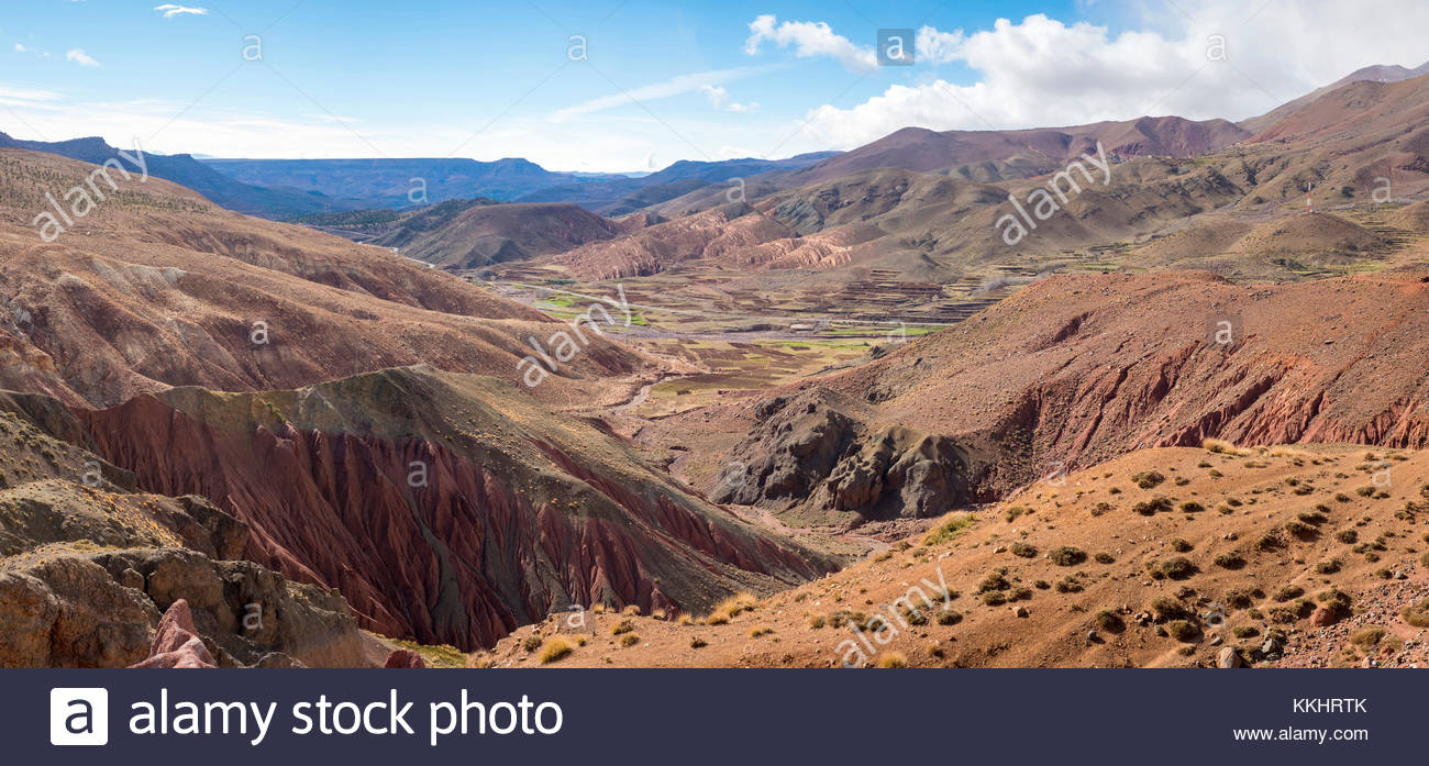 Morocco, Sous-Massa-Draa, Ouarzazate Province. Dry rugged landscape in the Atlas Mountains. - Stock Image